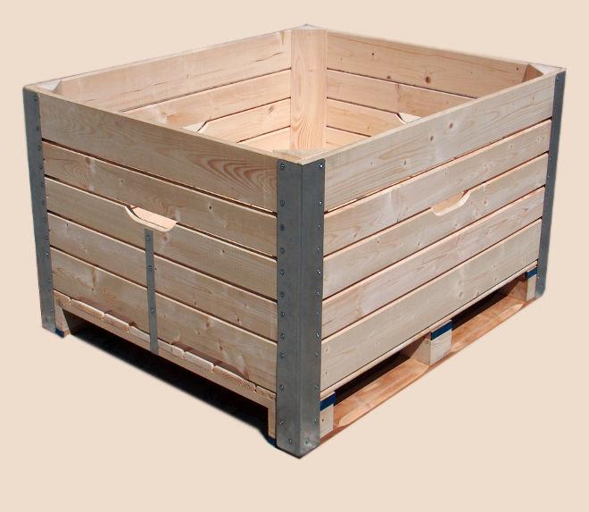Bulk bins with long angle bars